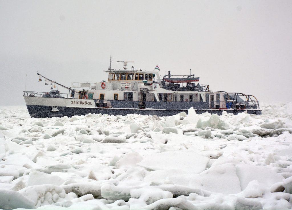 Mađarski ledolomac u daljskoj krivini, 17. 1. 2017.