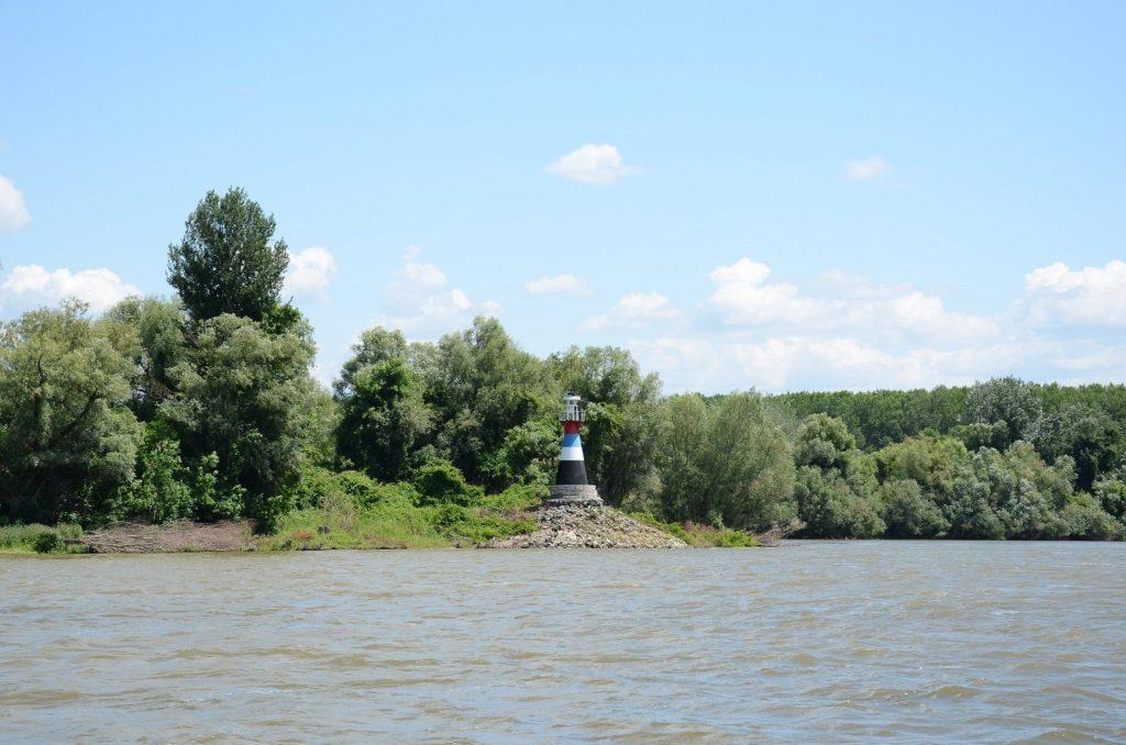 Светионик код ушћа Тисе у Дунав